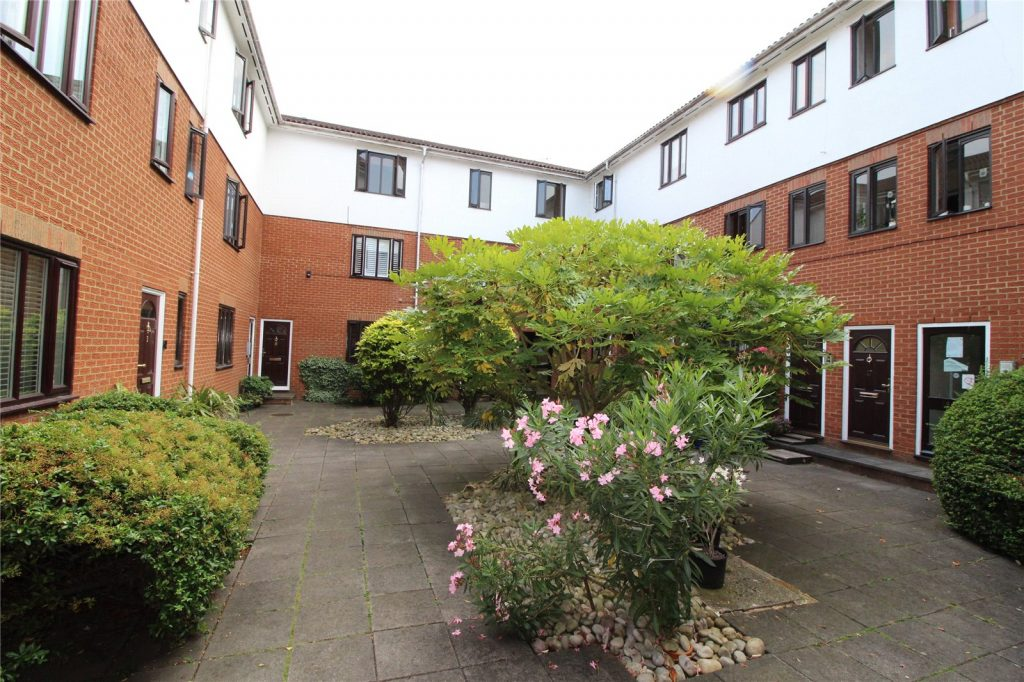 Eversholt Court, 44 Lyonsdown Road
