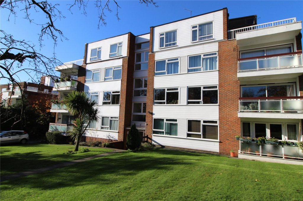 Kingshill Court, Manor Road